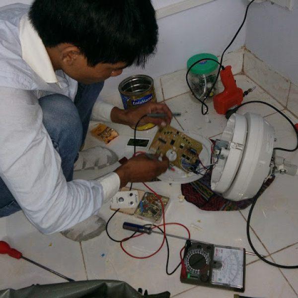 sửa quạt điện tại nhà giá rẻ